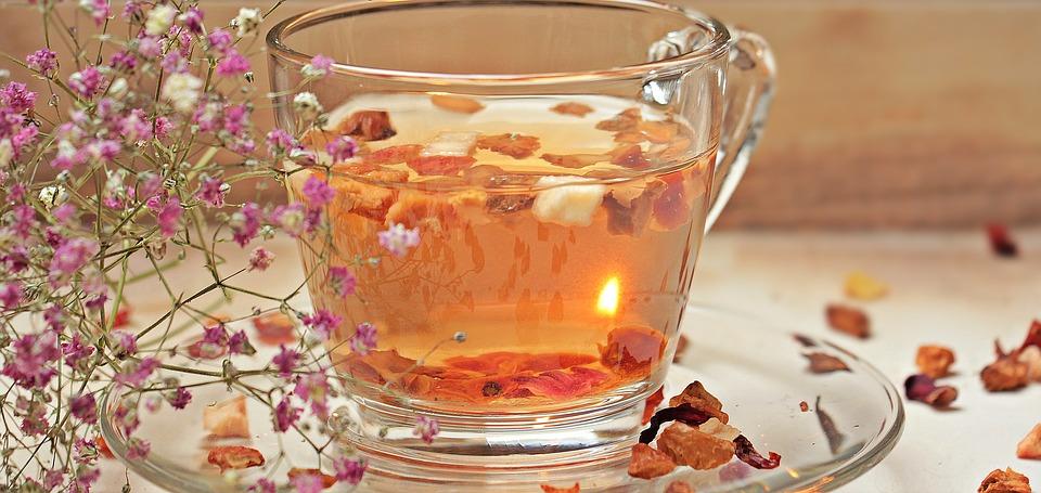 Descubre los beneficios de las segunda bebida más consumida del mundo: el té